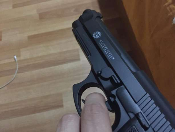 Pistol TAURUS Co2 Foarte PUTERNIC (Airsoft cu Aer Comprimat) Gaz Pusca