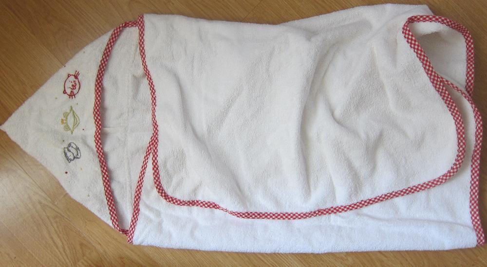 Kiabi prosop/halat baie cu gluga pentru bebe - 0-12 luni , ca nou