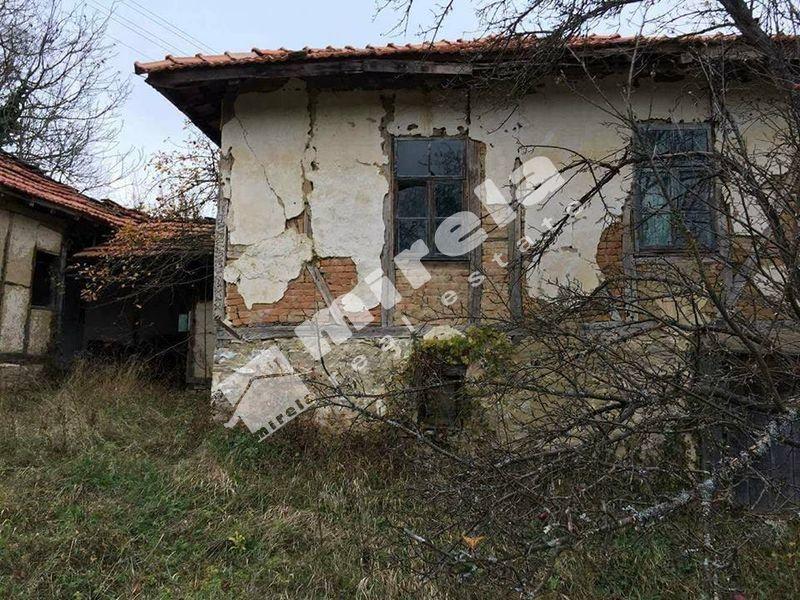 Продава къща с. Войнежа - image 2