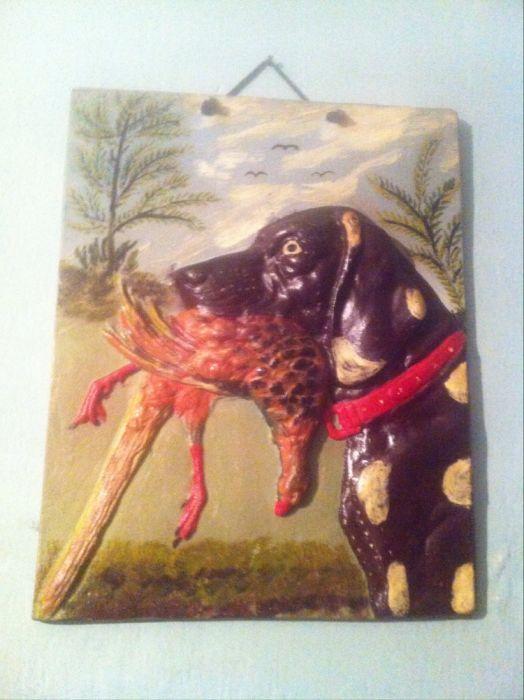 tablou -ogar cu fazan in gura (gravat si pictat pe aliminiu )