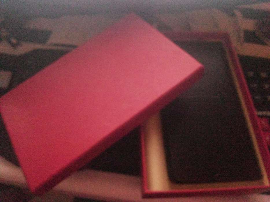 Husa PREMIUM ASUS ZENFONE 3 ULTRA în cutie cadou tip carte plus laveta
