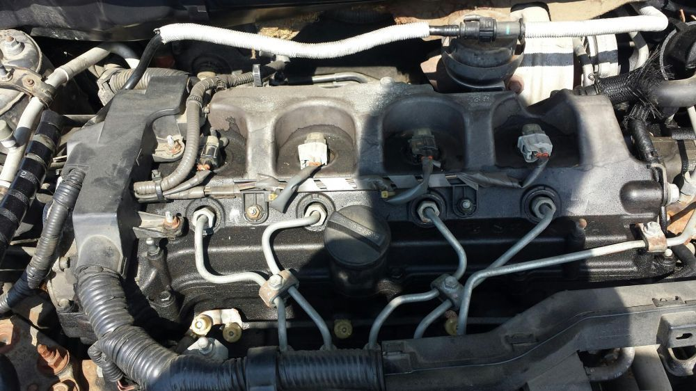 Dezmembrez motor toyota avensis 2.2 d4d