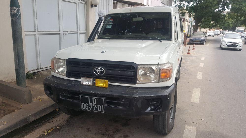 Toyota lande cruzer