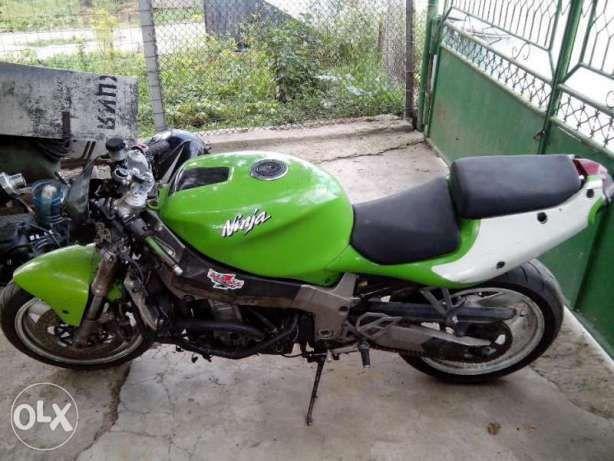 Разпродажба Kawasaki(ZX9R,ZXR750,ZX7R,ZZR600),HondaCBR1000F1,VOR SM