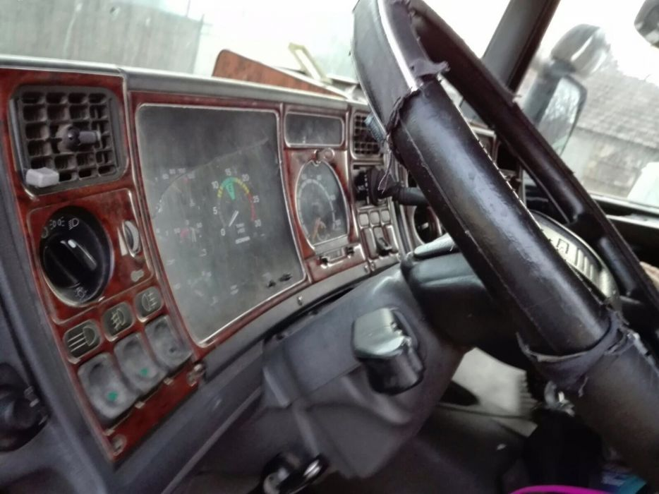 Scania r124 injectoare, kit ambreiaj, bord, parbriz, faruri, radiator Buzau - imagine 2