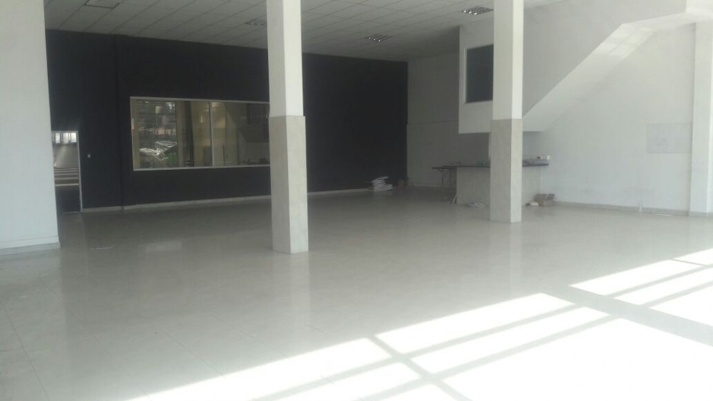 Arrenda se pavilhão com 4000 m² de área construída loc no B jardim Bairro do Jardim - imagem 8