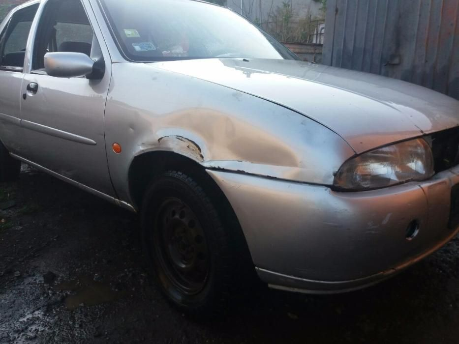 Ford Fiesta 97г 1.6 бензин