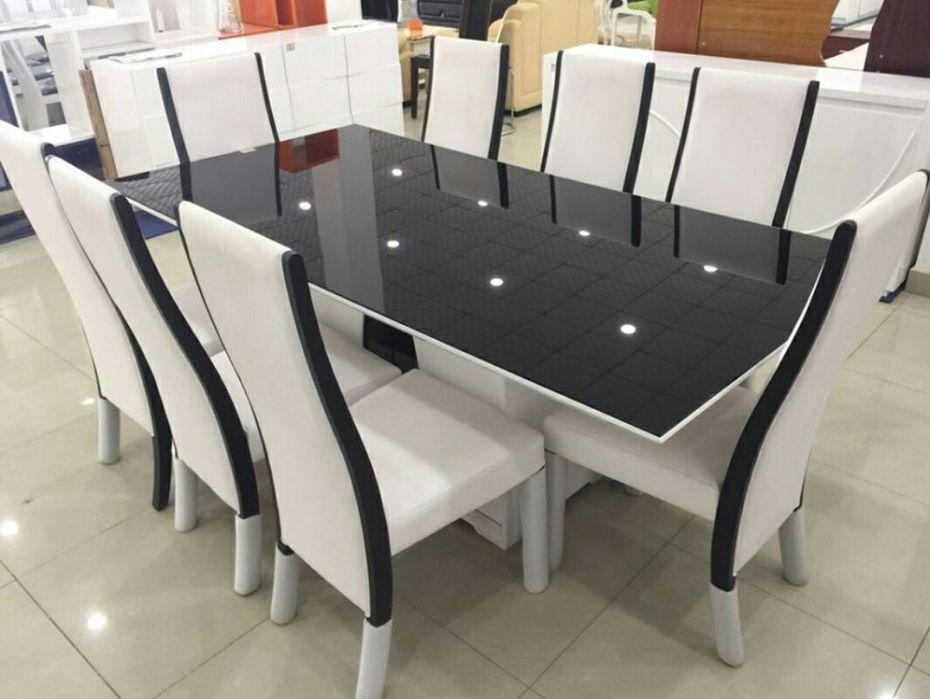 Mesa de jantar disponivel
