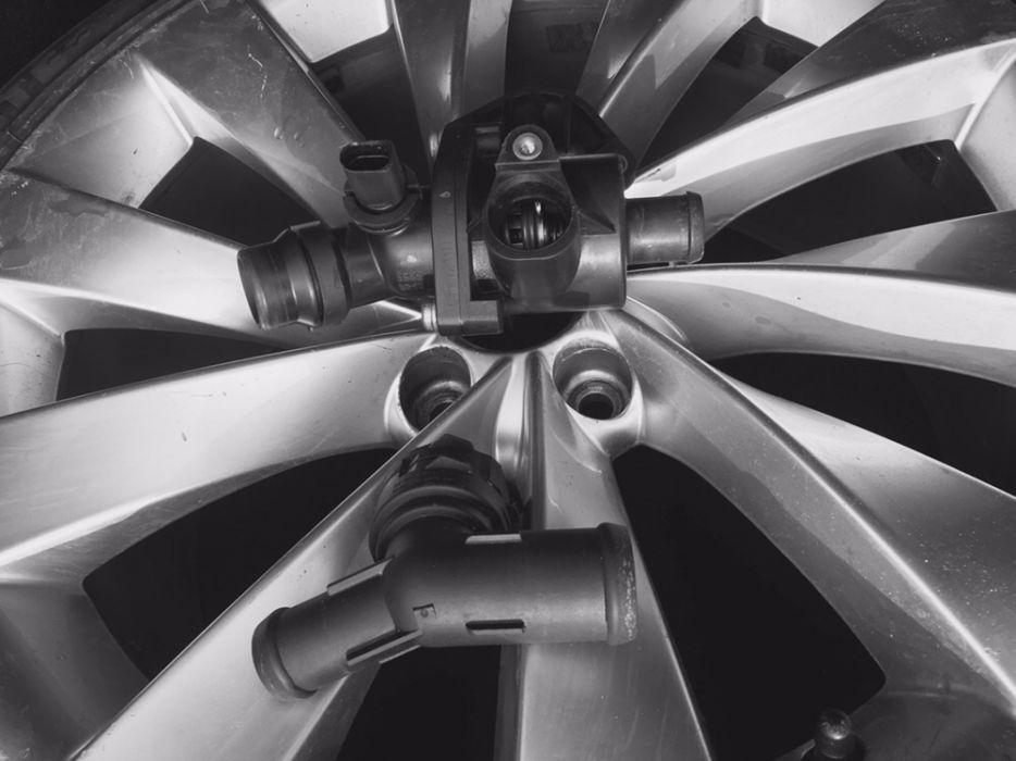 Vând Carcasă Termostat VW 2.0 FSI, BLR,BLY,BVY,BVZ, Passat B6,Folf 5