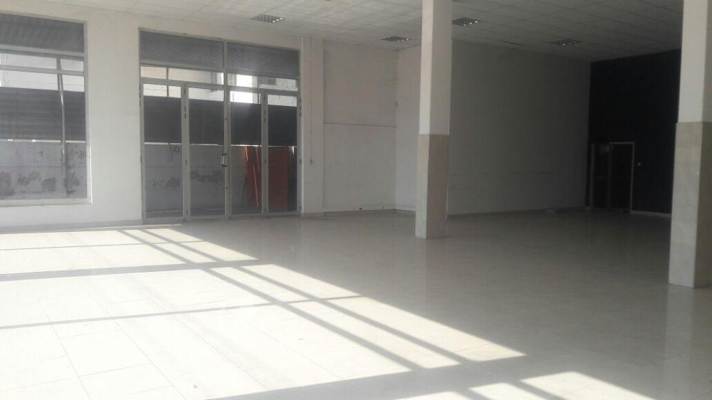 Arrenda se pavilhão com 4000 m² de área construída loc no B jardim Bairro do Jardim - imagem 3