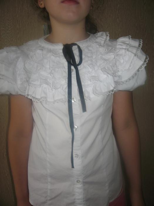 блузка на девочку для школы, рост 130-140 см