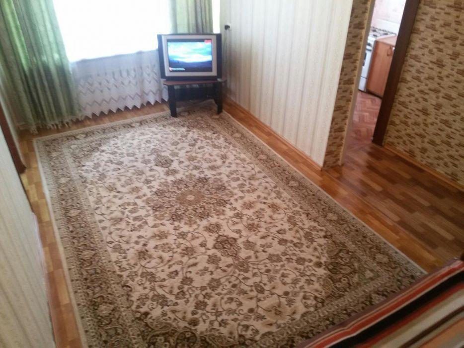 "2 ком. квартира посуточно напротив кинотеатра ""Казахстан"".Wi-Fi, ID-TV"