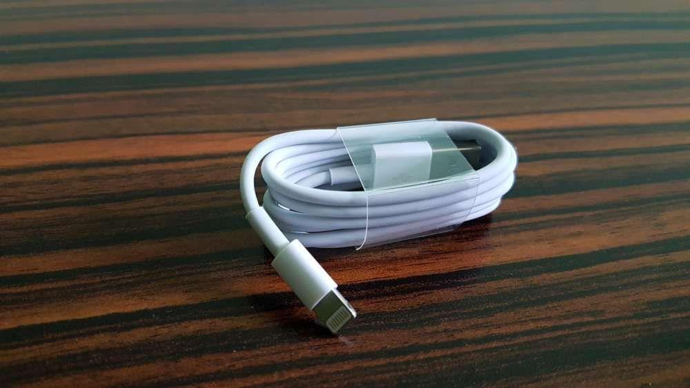 Livrare Gratuita cablu Iphone 5s, SE, 6S, 7, 8, 6 plus, 7 plus, 8 plus