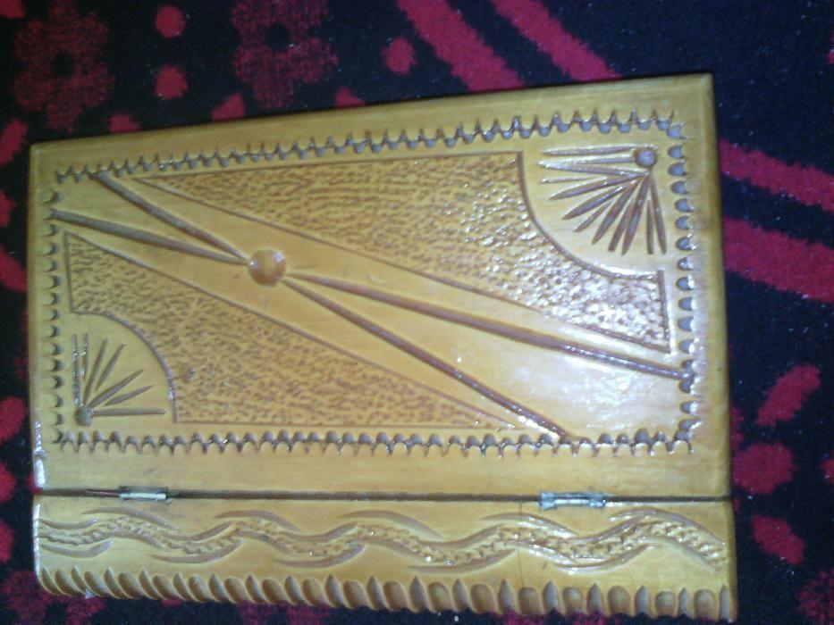cutie de bijuterii ,lucrat manual tip carte
