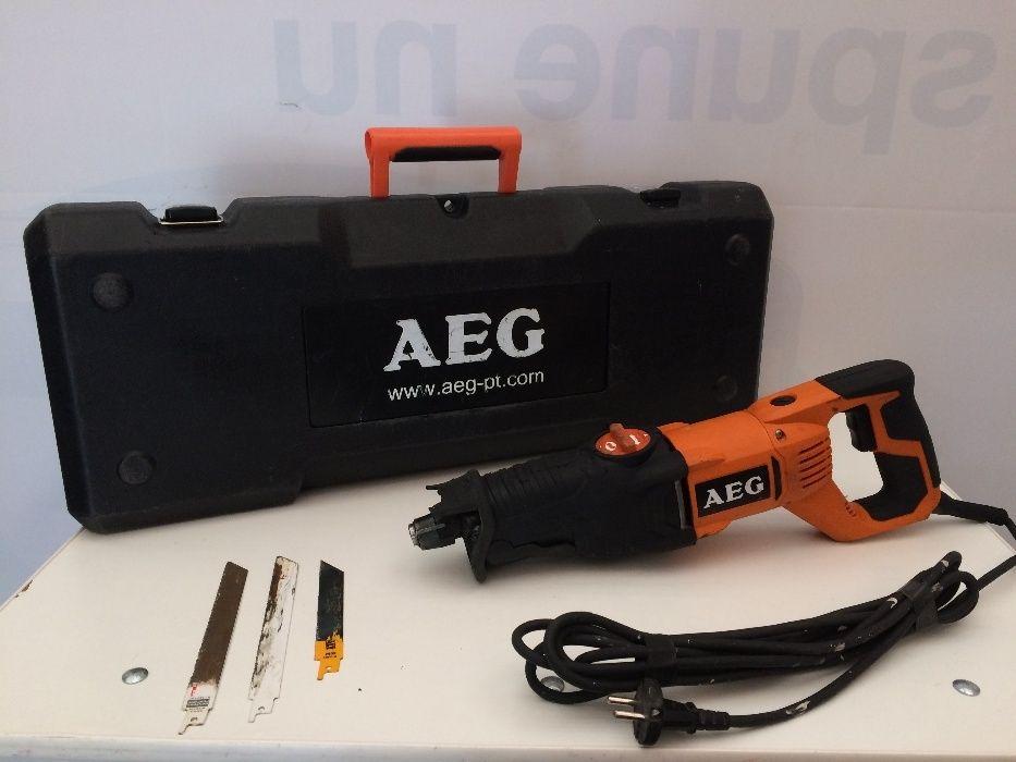 Ferăstrău longitudinal / sabie AEG US 900 XE