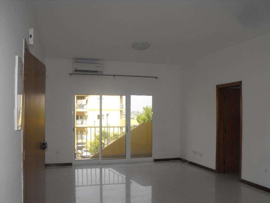 Apartamento T3 Condomínio Vale Dos Pássaros
