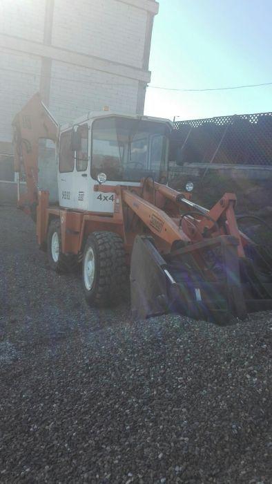 Buldoexcavator SKF 902