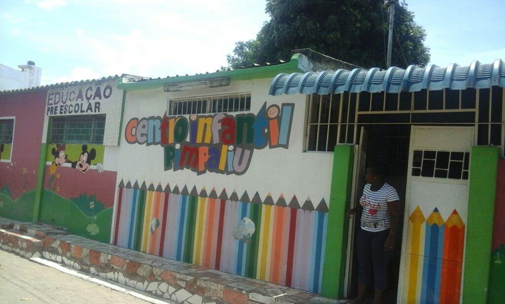 Vende se 1escolinha no alto Maé Maputo
