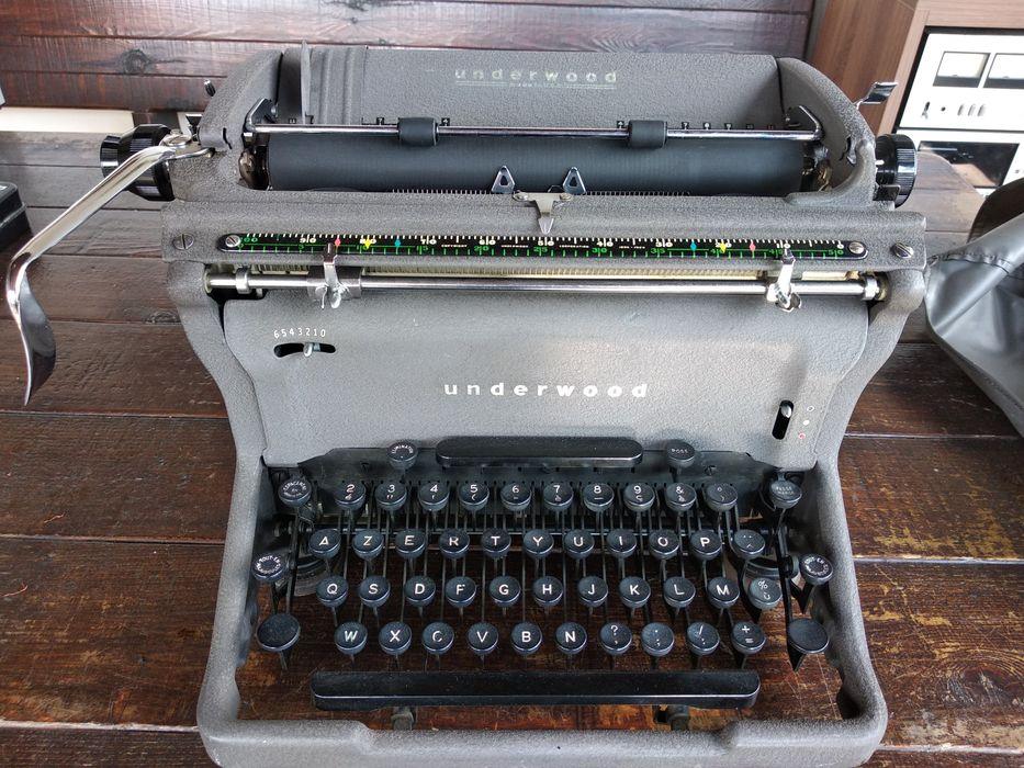 Стара Пишеща Машина Underwood U.S.A