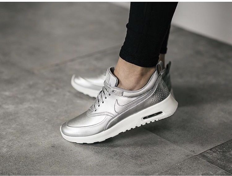 Кроссовки Nike Air Max Thea Silver