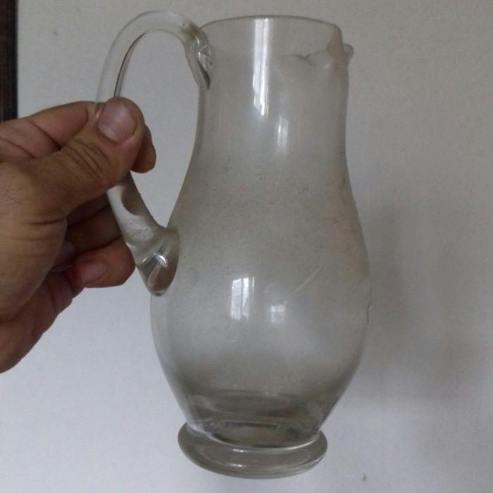Carafa veche din sticlă. Vintage. 2 modele.
