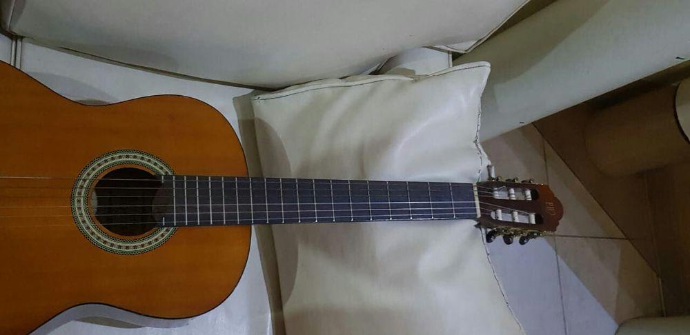 Guitarra acústica Pablo Romeu