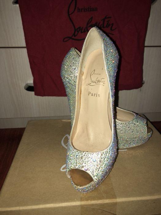 Pantofi Louboutine