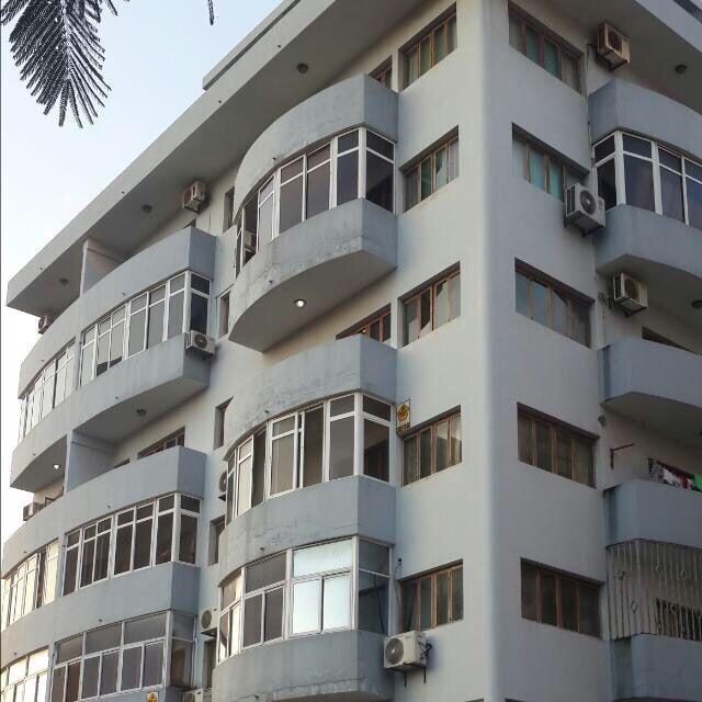 Vende se apartamento t3 luxuosa no prédio novo no bairro central