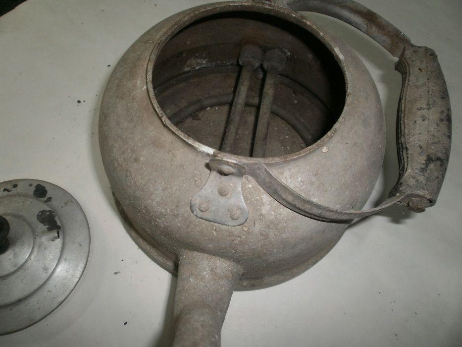Стар чайник с електро нагревател