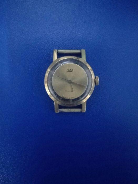 Продам часы «Заря» 16 камней, механика.«Сделано в СССР».