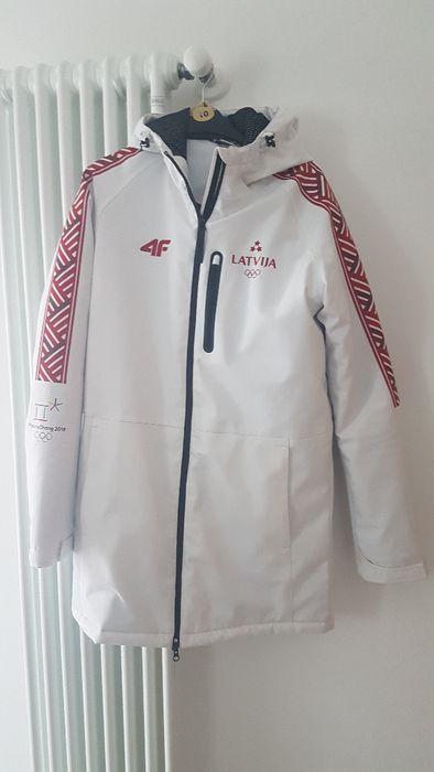 Зимно дълго яке на 4F от Олимпиадата в Кореа 2018 на Латвия
