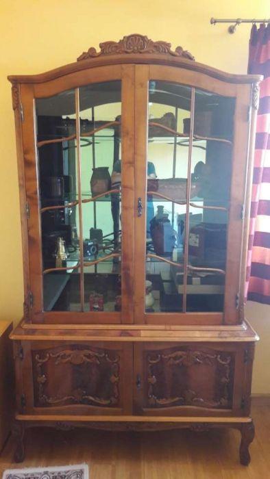Vand mobila clasica din lemn masiv 6 piese + 6 scaune