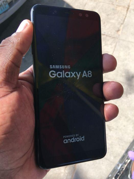 Samsung galaxy A8 2018 Duos fora da caixa clean