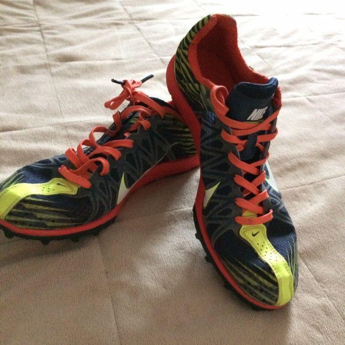 Vand adidași Nike cu crampoane