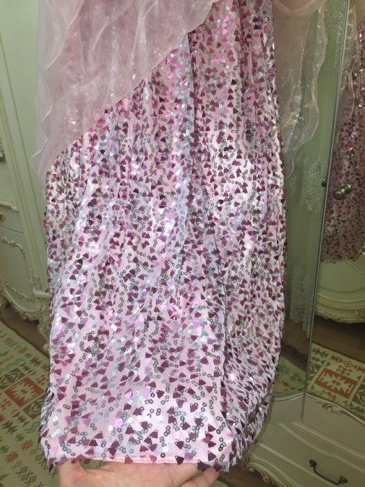 Бальное платье с паетками
