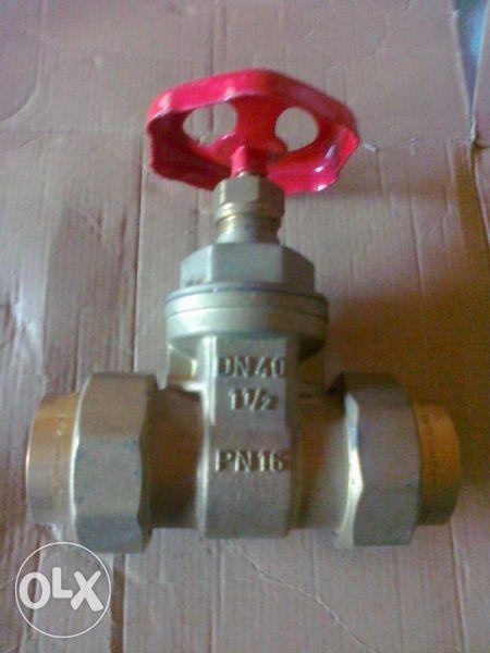 водопроводен кран 1,1/2'' и 2'' цола