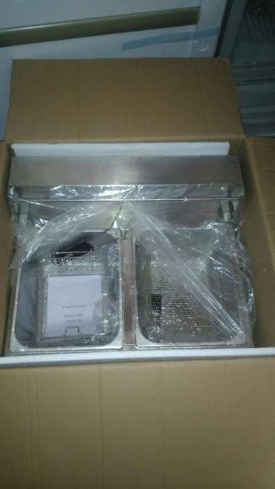 Vende-se Fritadeira de batata de 10Litro nova na Caixa