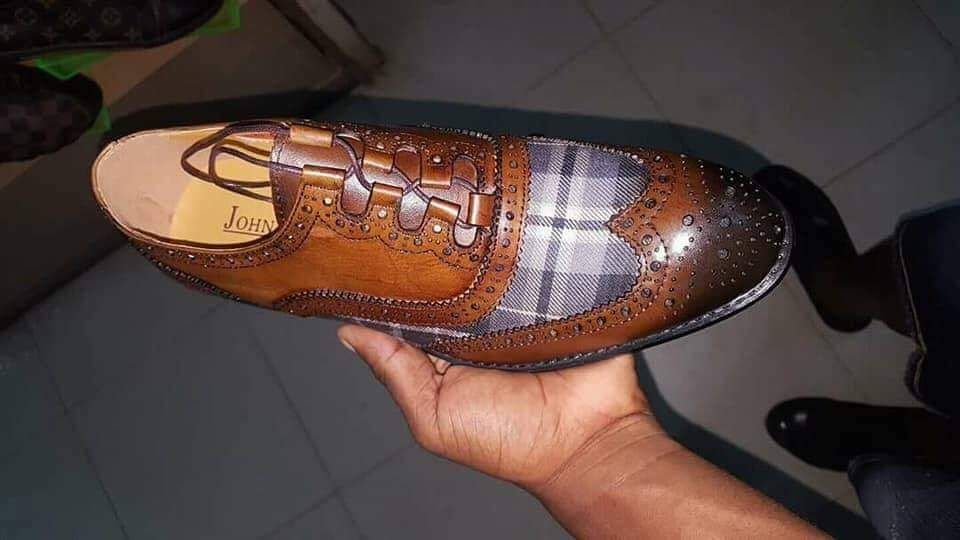 Sapatos axadrenados