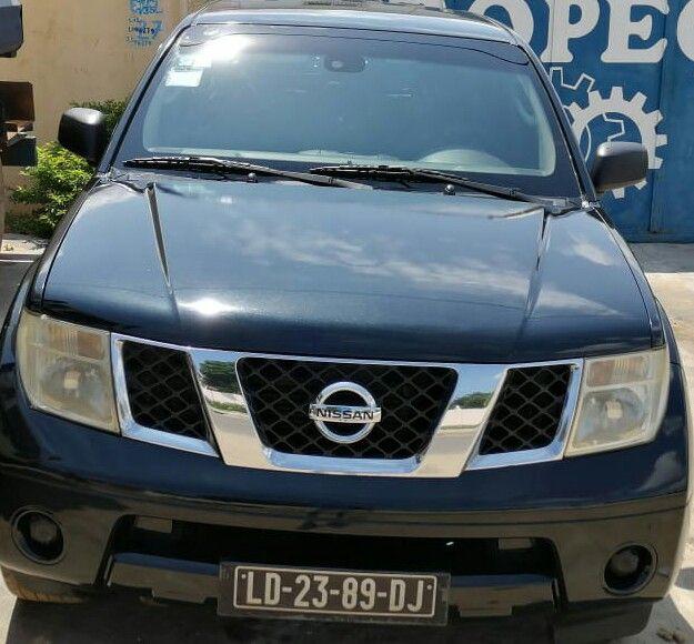 Vende-se Nissan pathfinder