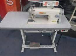 Maquina de costura A venda