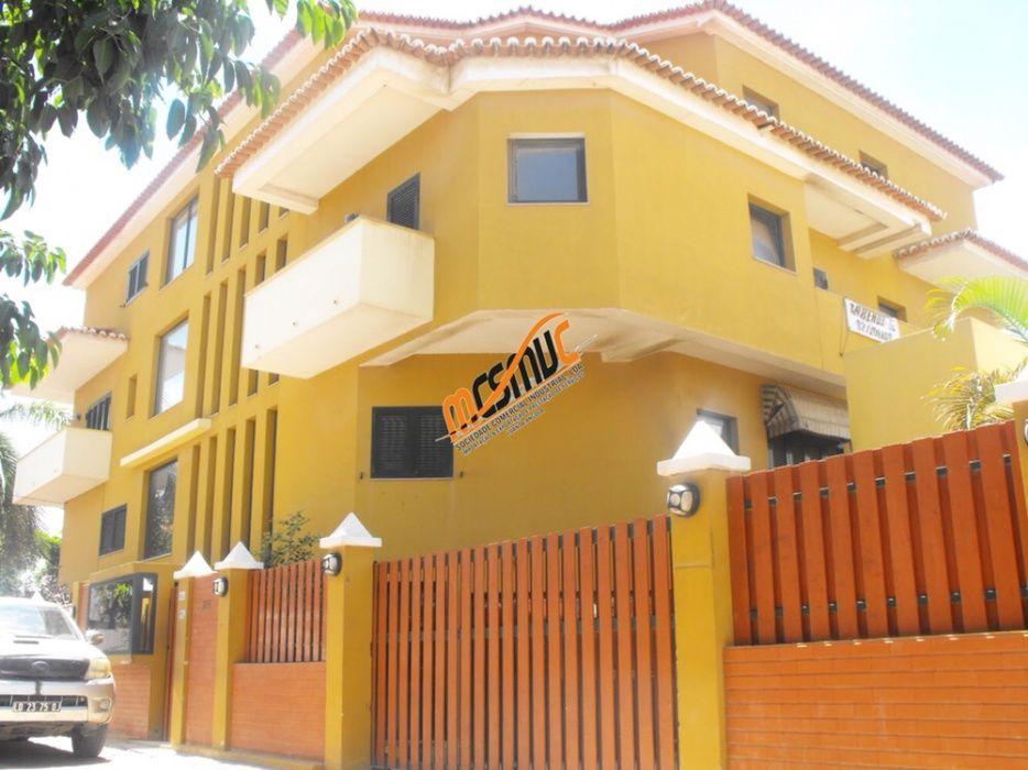 Guest House Arrendamos Localizado na Ilha de Luanda