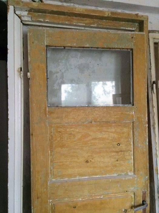 3 usi interior cu tocuri, pervazuri, etc. - lemn masiv 50 ani vechime Husi - imagine 3