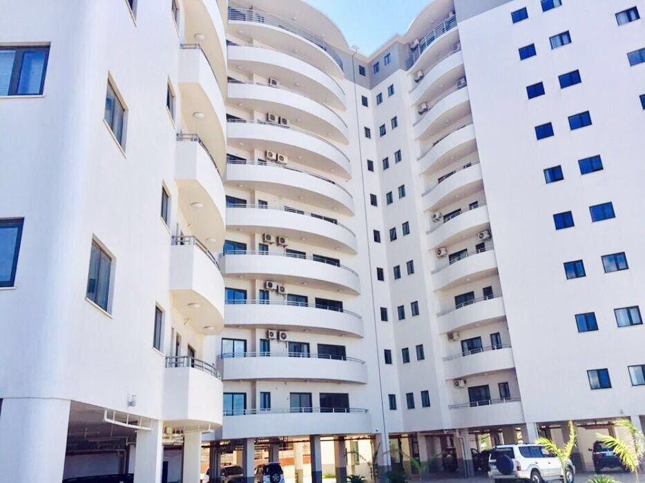 Vende se apartamento t3 luxuosa no condomínio Karibu