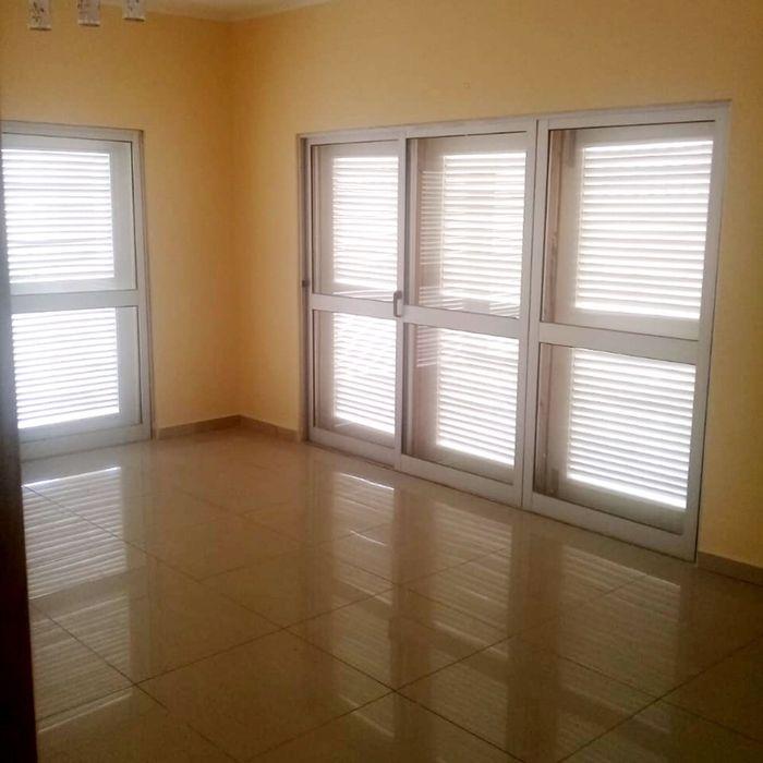 Arrendamos Vivenda T4 Condomínio Ensa Talatona Kilamba - imagem 4