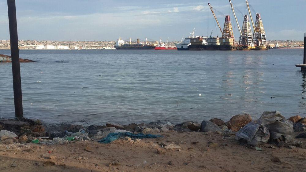 Vendo este espaço de 991 na Ilha de Luanda negociavel.
