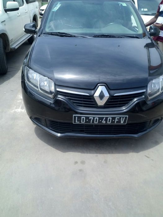 Vendo esse Renault Logan manual gasolina 94mil km 2.500.000