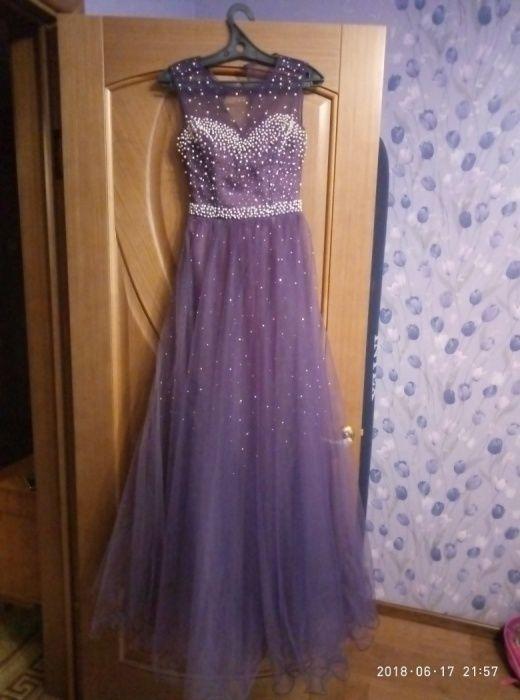 Платье на выпускной вечер, очень красивое
