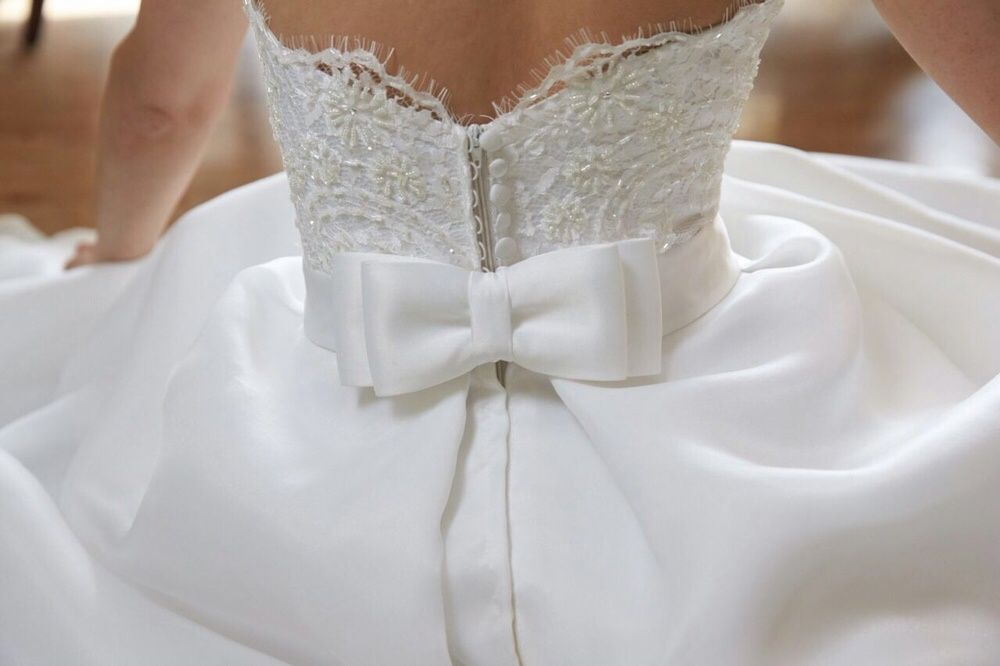 Продам красивое,нежное платье на проводы или свадьбу.