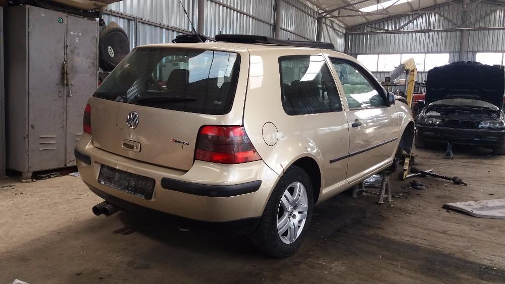 Dezmembrez VW GOLF 4, an fabr. 2003, 1.4i