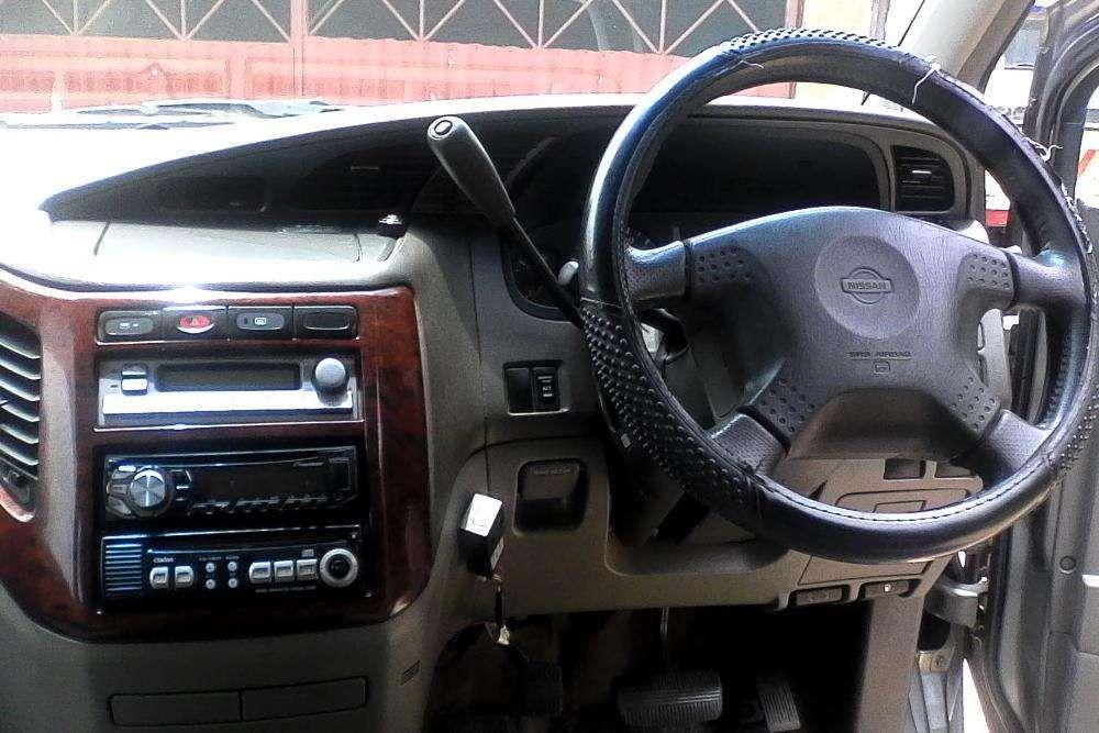 Vendo Nissan El Grande em Excelente estado